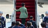 전용기 오르는 박근혜 대통령